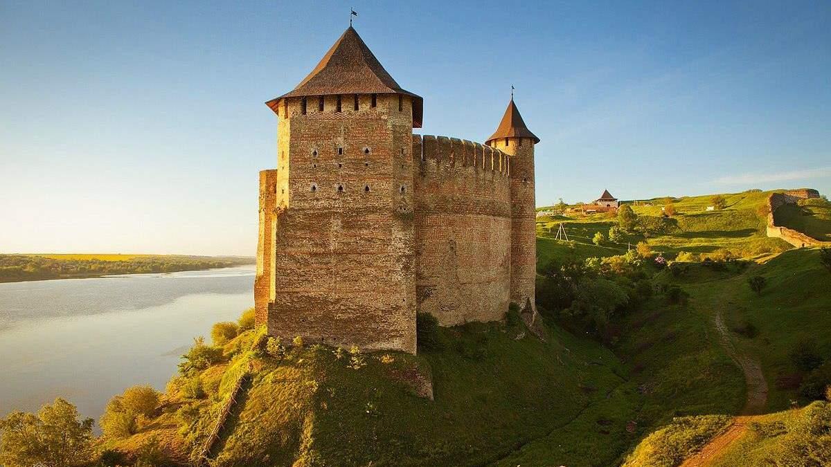 Замки та фортеці України, які повинен відвідати кожен: фото