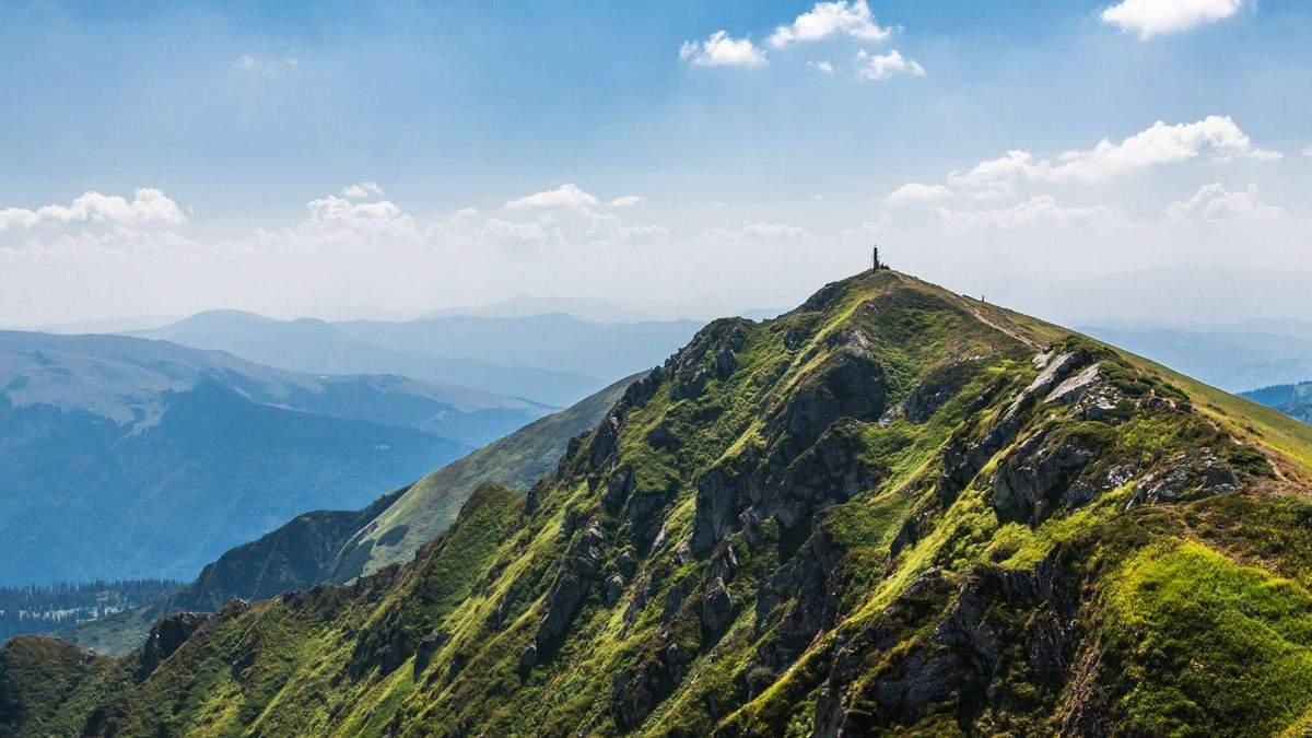 5 популярних гір Карпат, які варто підкорити