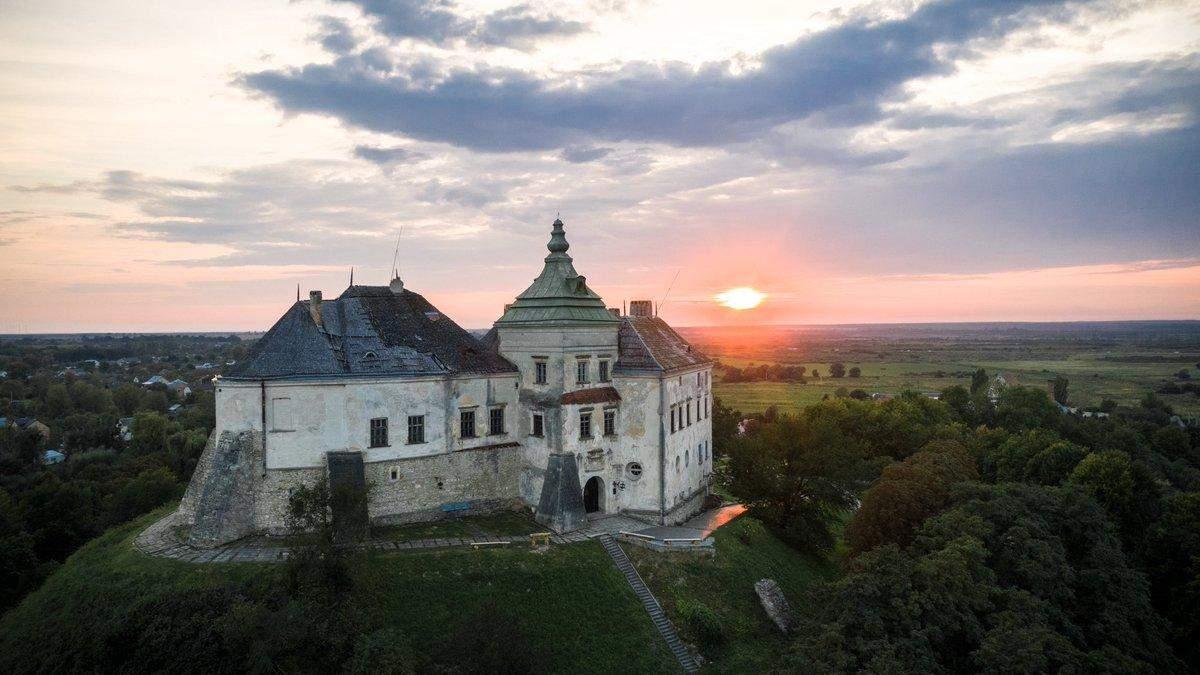 Що приховують знамениті замки України: містичні легенди