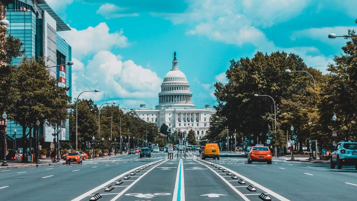 Airbnb отменил бронирование жилья в Вашингтоне перед инаугурацией Байдена