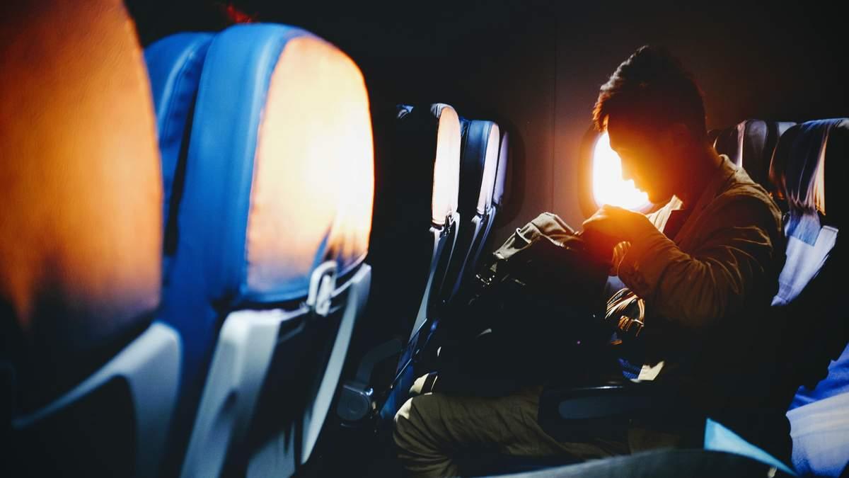 Яке слово краще не вимовляти на борту літака: порада від стюардеси