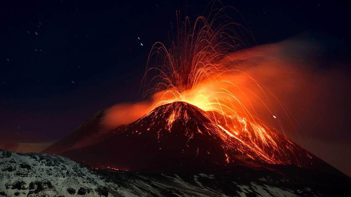 Виверження Етни - найбільшого вулкана Європи