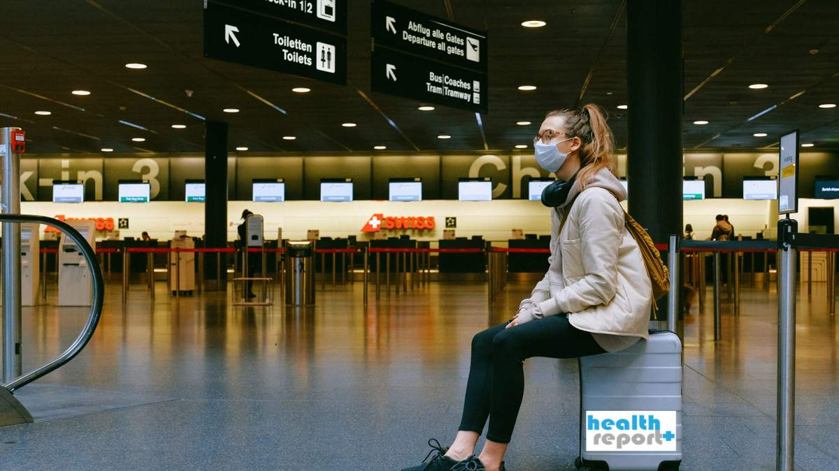 Почему нельзя применять антисептик перед осмотром в аэропорту: стюардесса рассказала о рисках