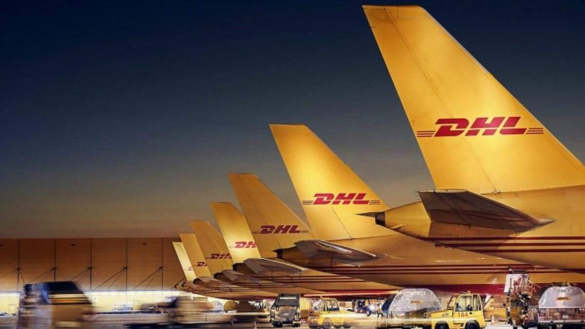 Вантажний люк літака відчинився у польоті на висоті 1600 метрів: фото