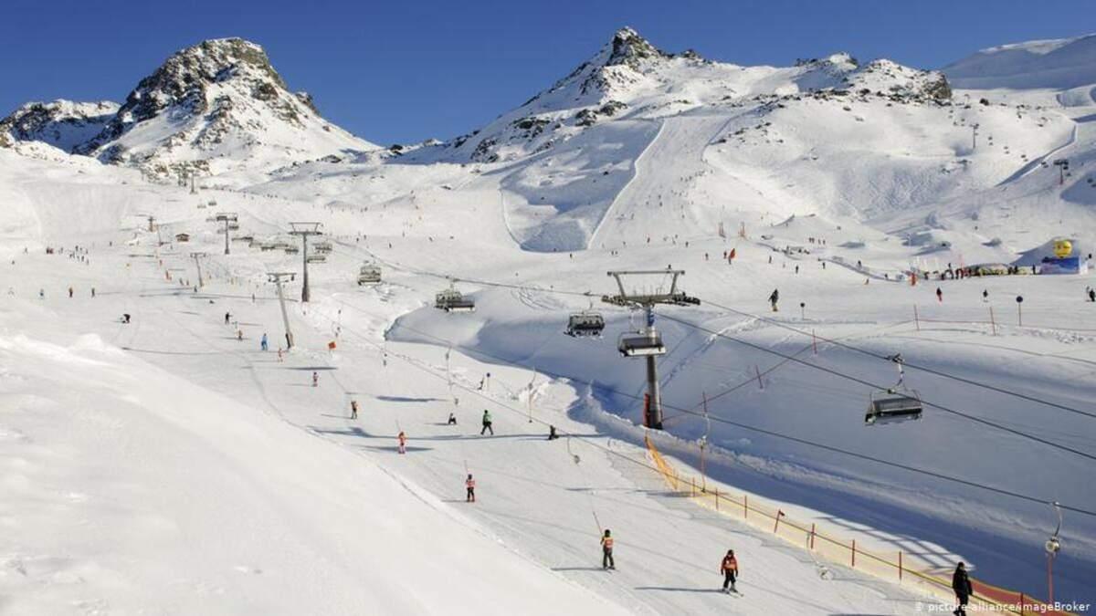 Італія відклала відкриття гірськолижних курортів через мутації коронавірусу
