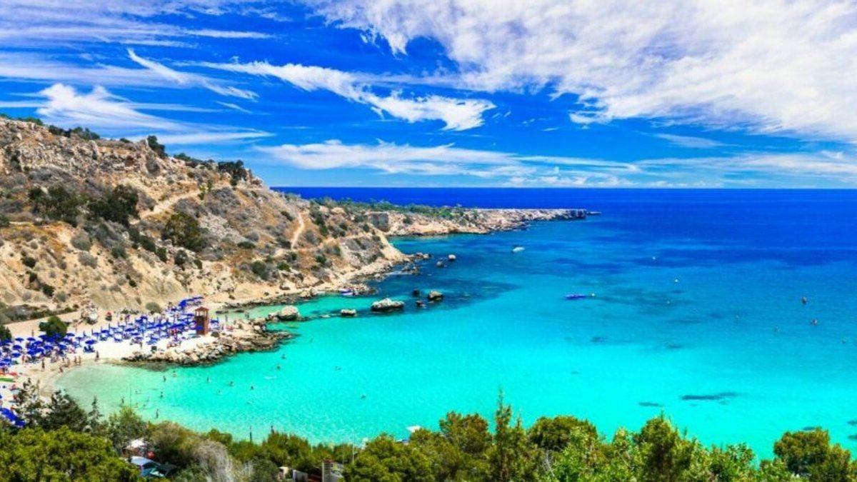 Кипр отложил открытие границ для украинских туристов