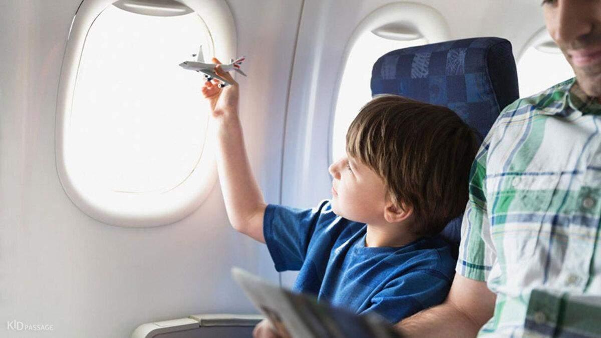 Как пережить авиаперелет с ребенком и сохранить нервы