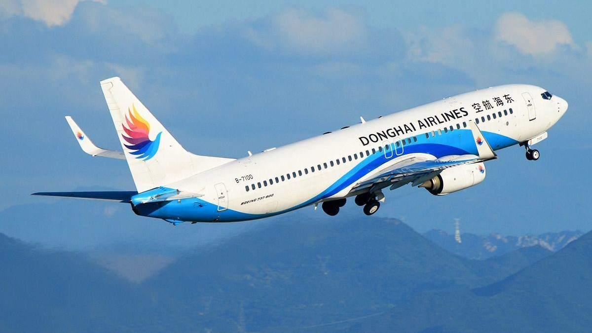 Пілот і стюард побилися на очах пасажирів через чергу в туалет