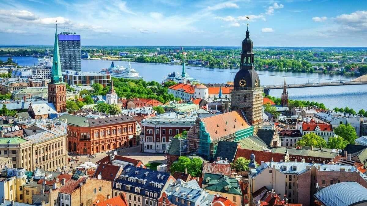 Латвия восстанавливает авиасообщение с третьими странами