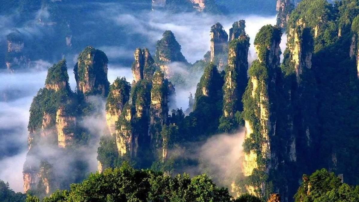 "Місце, де знімали ""Аватар"": мальовнича краса парку Чжанцзяцзе в Китаї"