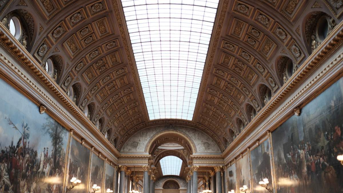 Версальский дворец заговорил на украинском: детали
