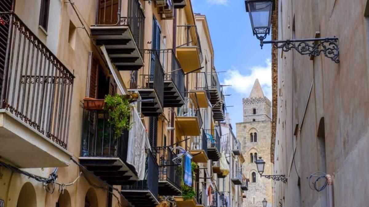 Розпродаж для туристів: в італійській Сицилії продають будинки за 1 євро