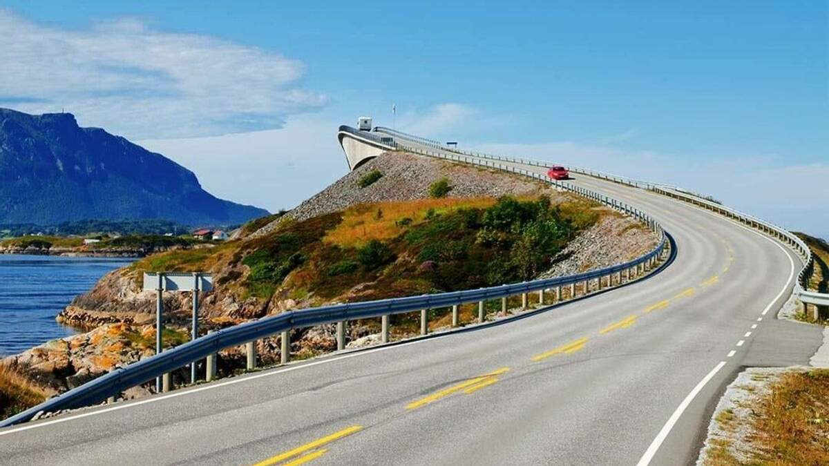Міст в нікуди у Норвегії