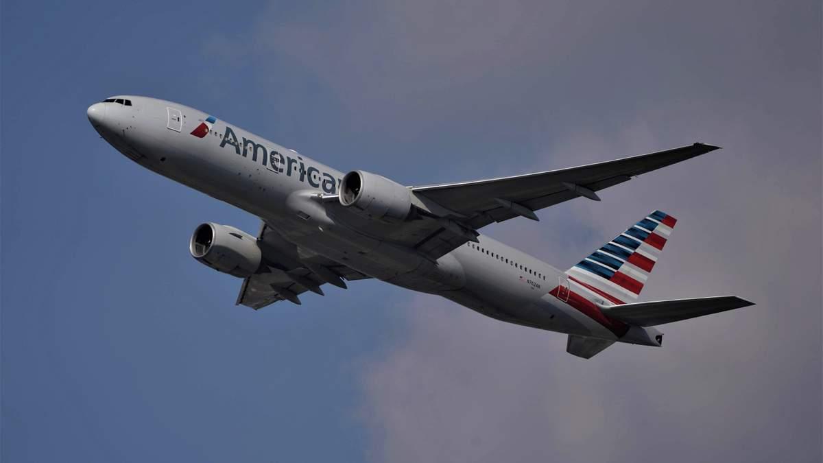 Пасажирка побила стюардесу