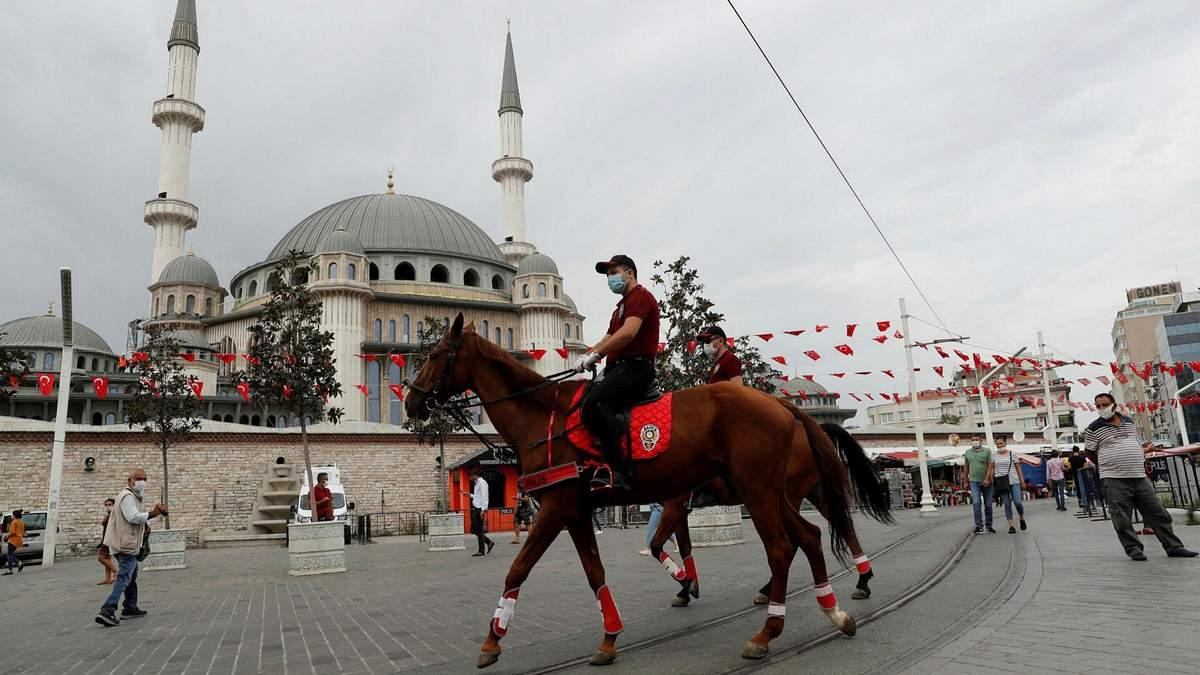 Туреччина послаблює карантин: які обмеження залишаються