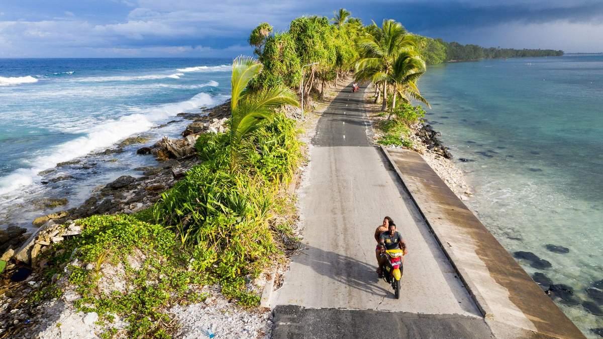 Тропічний острів Тувалу