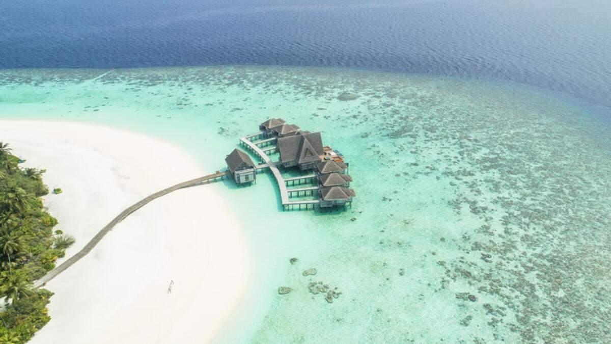 Мальдіви з 2022 року вводять для туристів податок на виїзд