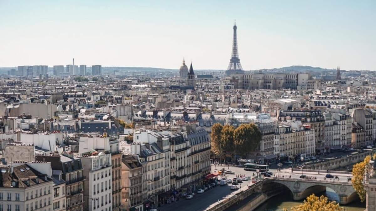 Франция открылась для украинских туристов