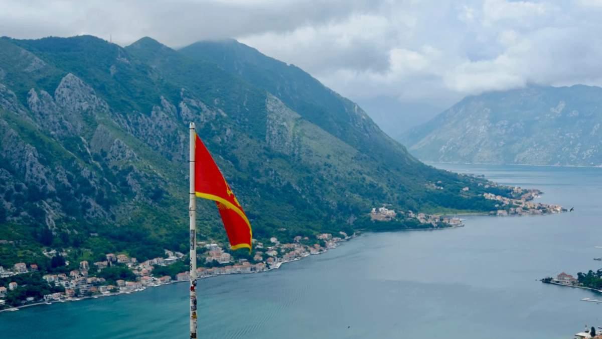 Черногория в разгар курортного сезона усилила карантин