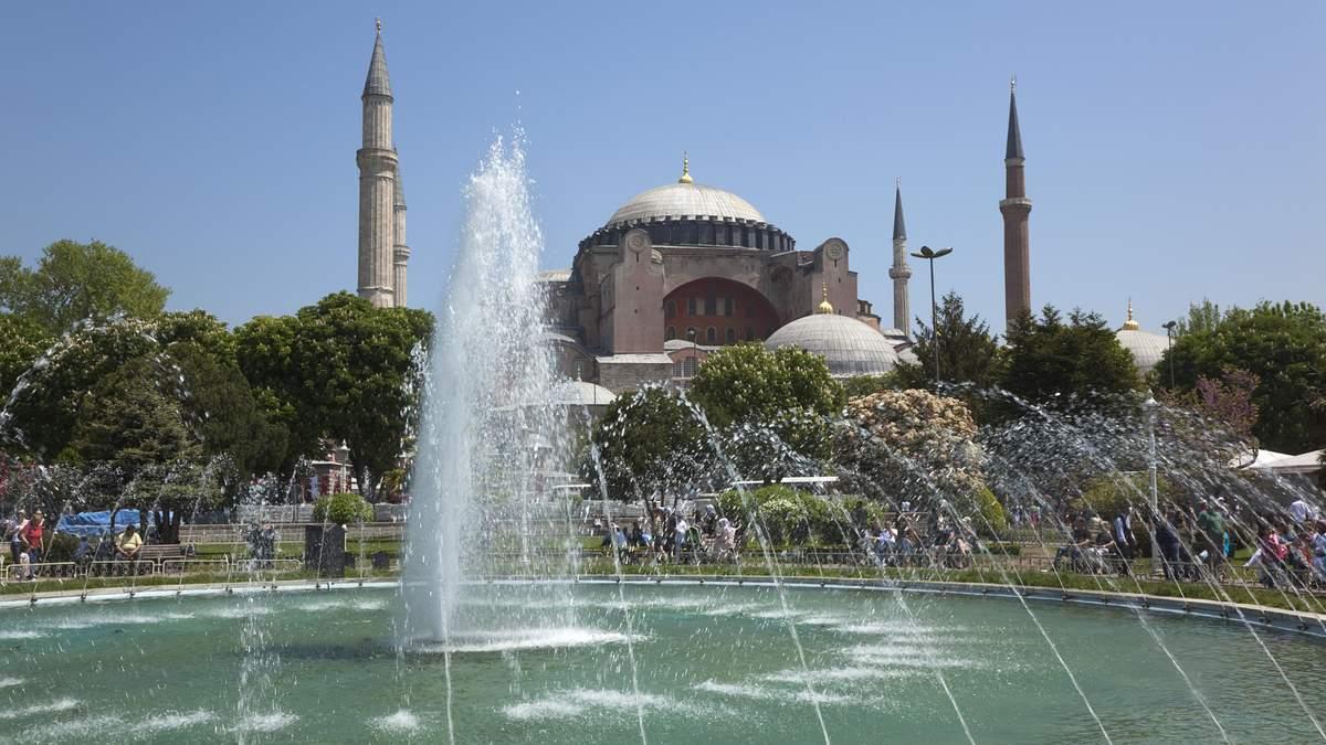 Количество украинских туристов в Турции в этом году выросла в шесть раз