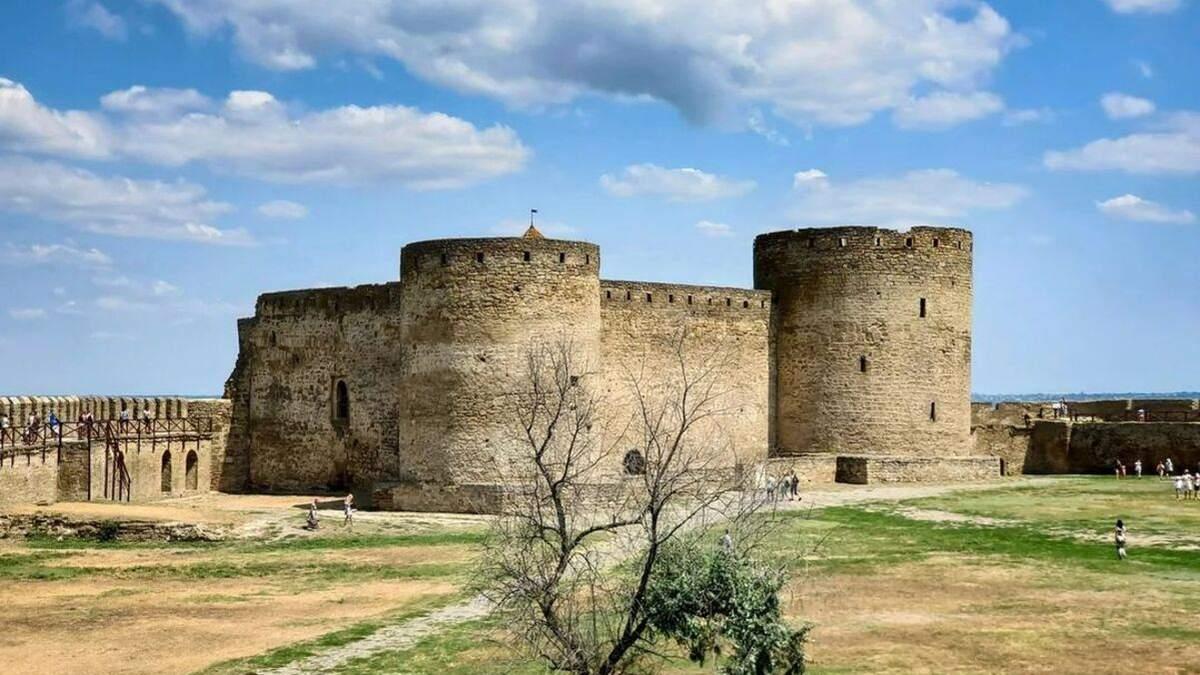Одна из башен Аккерманской крепости оказалась под угрозой обрушения