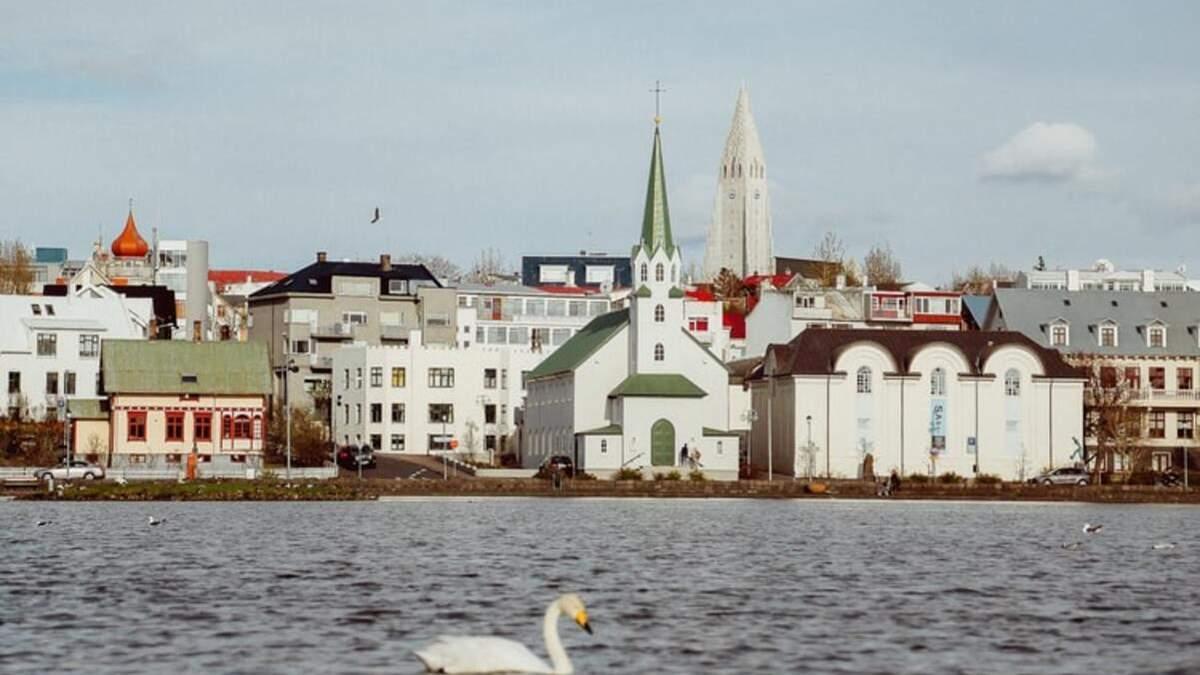 Ісландія повернула вимогу  ПЛР-тестування для всіх туристів