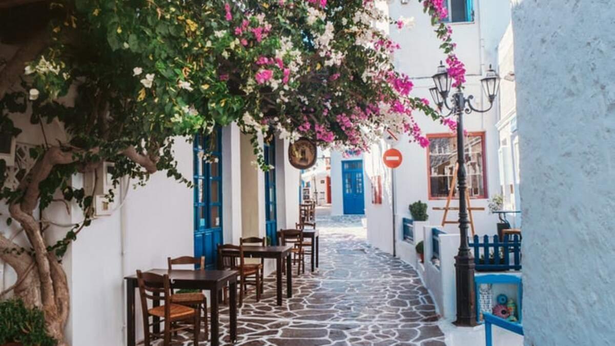 Греція вводить нові обмеження на двох туристичних островах
