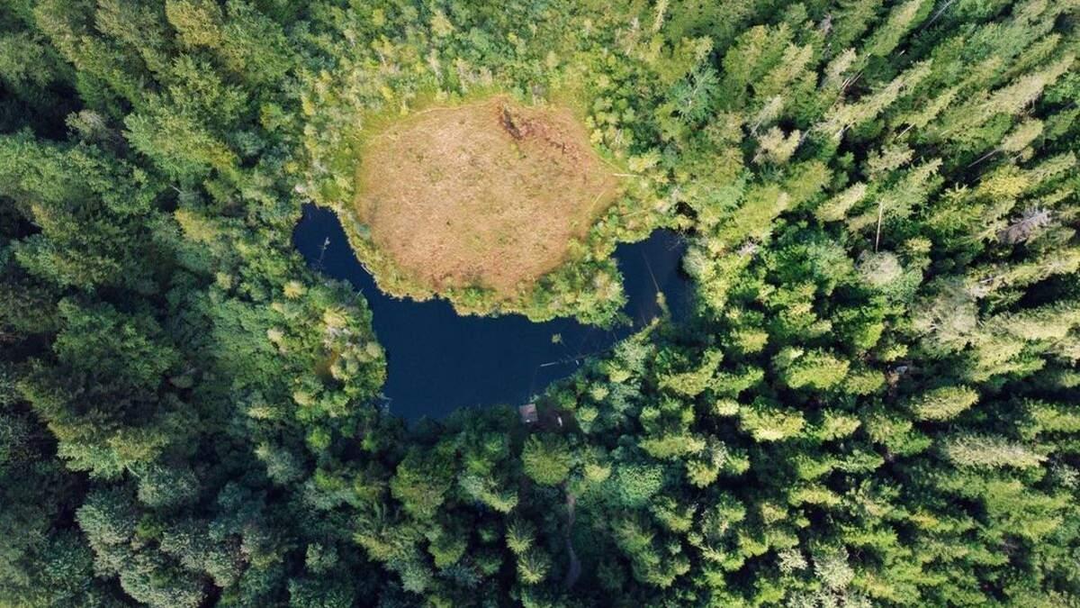 Маловідомі водойми України, які варто відвідати влітку