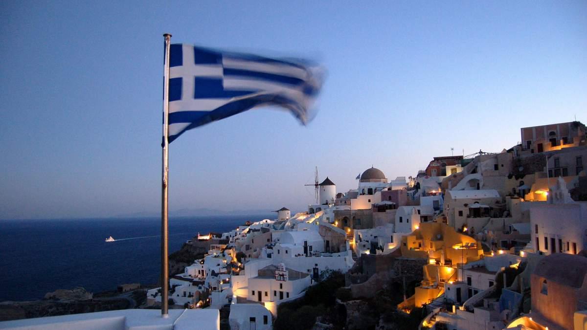 Нові заходи для невакцинованих в Греції: маски обов'язкові на вулицях