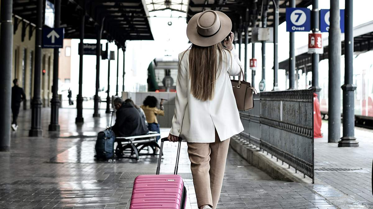 Попалась через неграмотність: туристка з США невірно підробила COVID-сертифікат - Travel