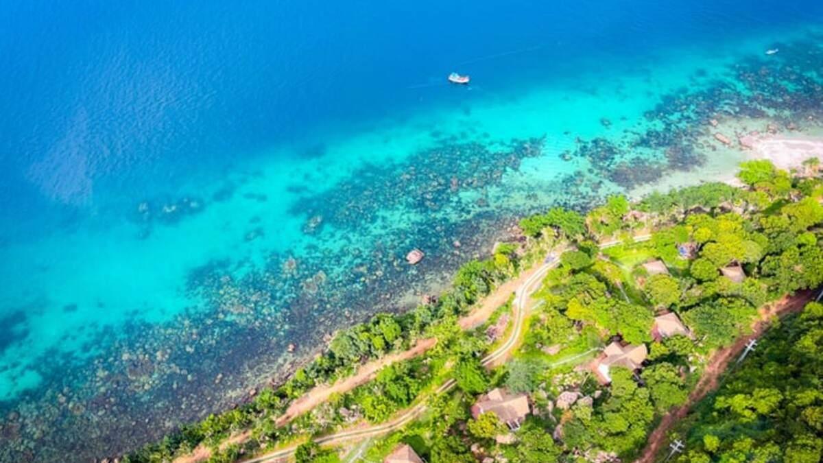 Ще один курортний острів відкриється для іноземних туристів: які умови в'їзду - Travel