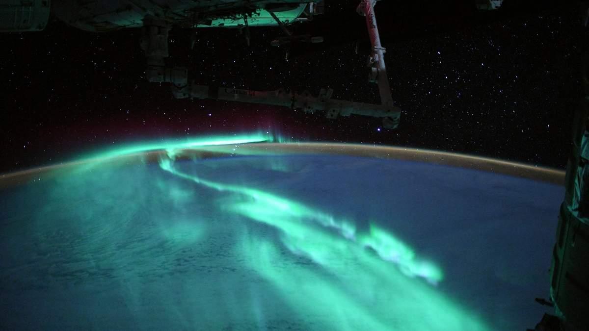 """""""Світанок півдня"""" очима астронавта: космічно красиві знімки полярного сяйва - Travel"""