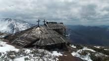 Старовинна колиба у Карпатах на висоті 1600 метрів: унікальній знахідці немає рівних