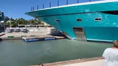 77-метровая яхта врезалась в причал: видео