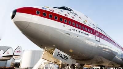 Тече як в дірявій маршрутці: чому в літаках часом капає вода зі стелі
