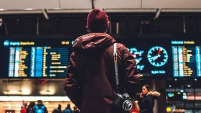 Каблуки и кожаные штаны – не лучший выбор: стюардесса рассказала, как следует одеться в самолет