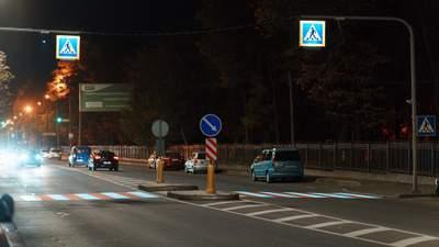 В Виннице тестируют уникальный проекционный пешеходный переход