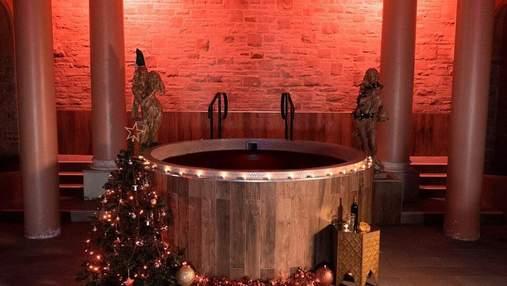 У Британії туристам пропонують розслабитися у гарячій ванні з глінтвейном: вартість послуги
