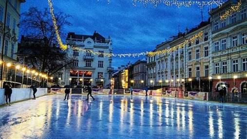 У центрі Львова відкрили ковзанку: графік роботи та ціни на квитки