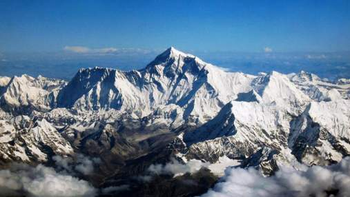 У Непалі альпіністам знову дозволили сходження на Еверест