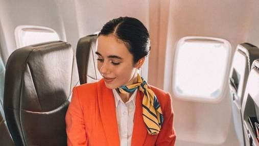 Стюардесса назвала одно действие, которое должен выполнить пассажир после посадки в самолет