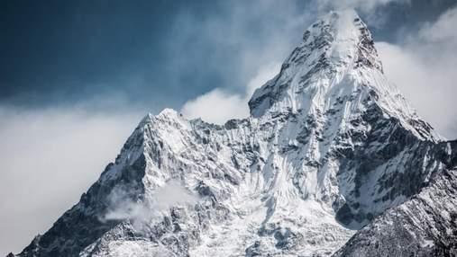 COVID-19 вже на Евересті: захворів альпініст з Норвегії