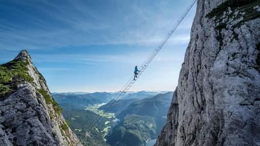 """""""Сходи у небо"""": як виглядає мальовничий шлях в австрійських Альпах – фото, відео"""